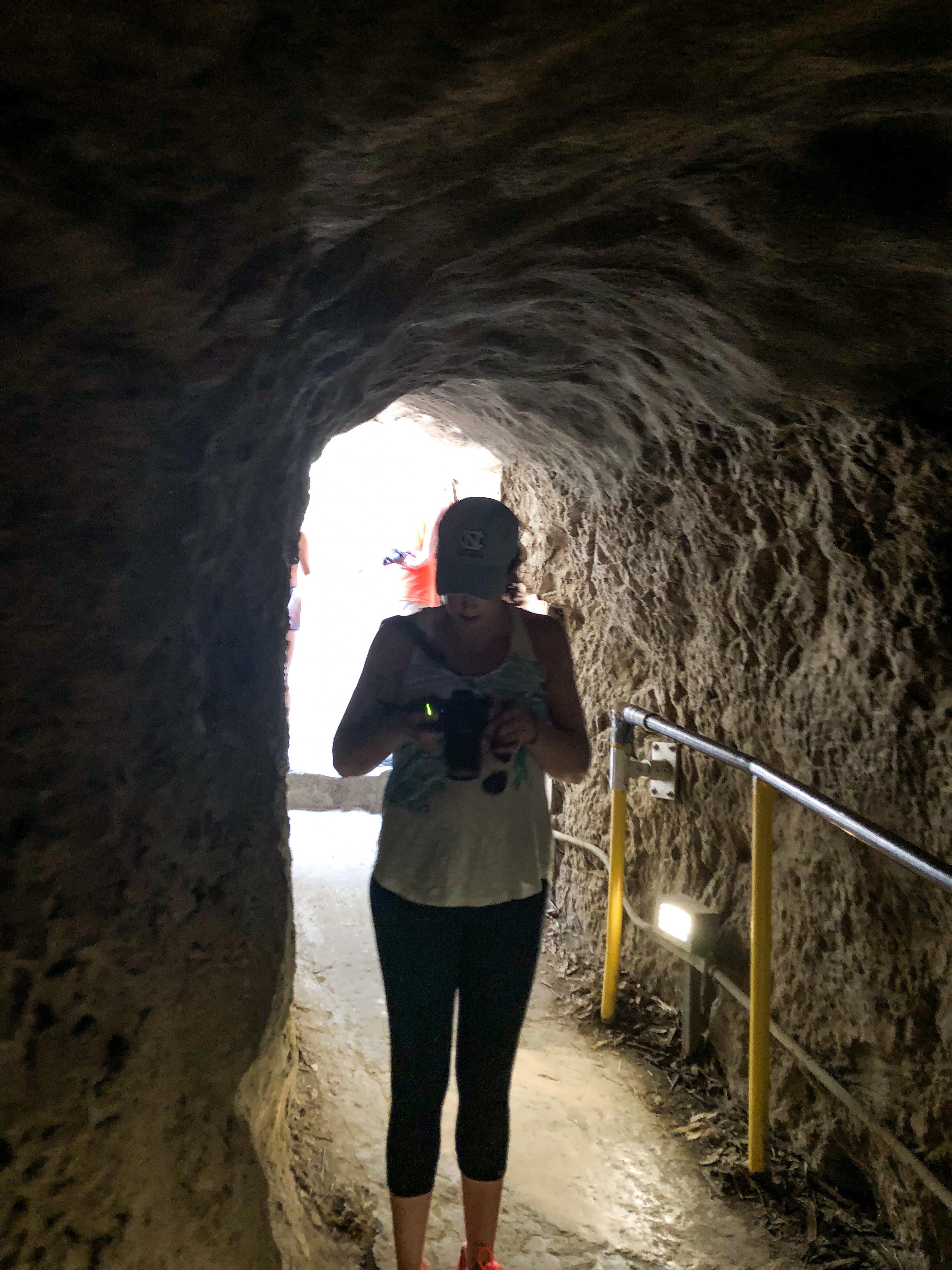 diamond head hike tunnel