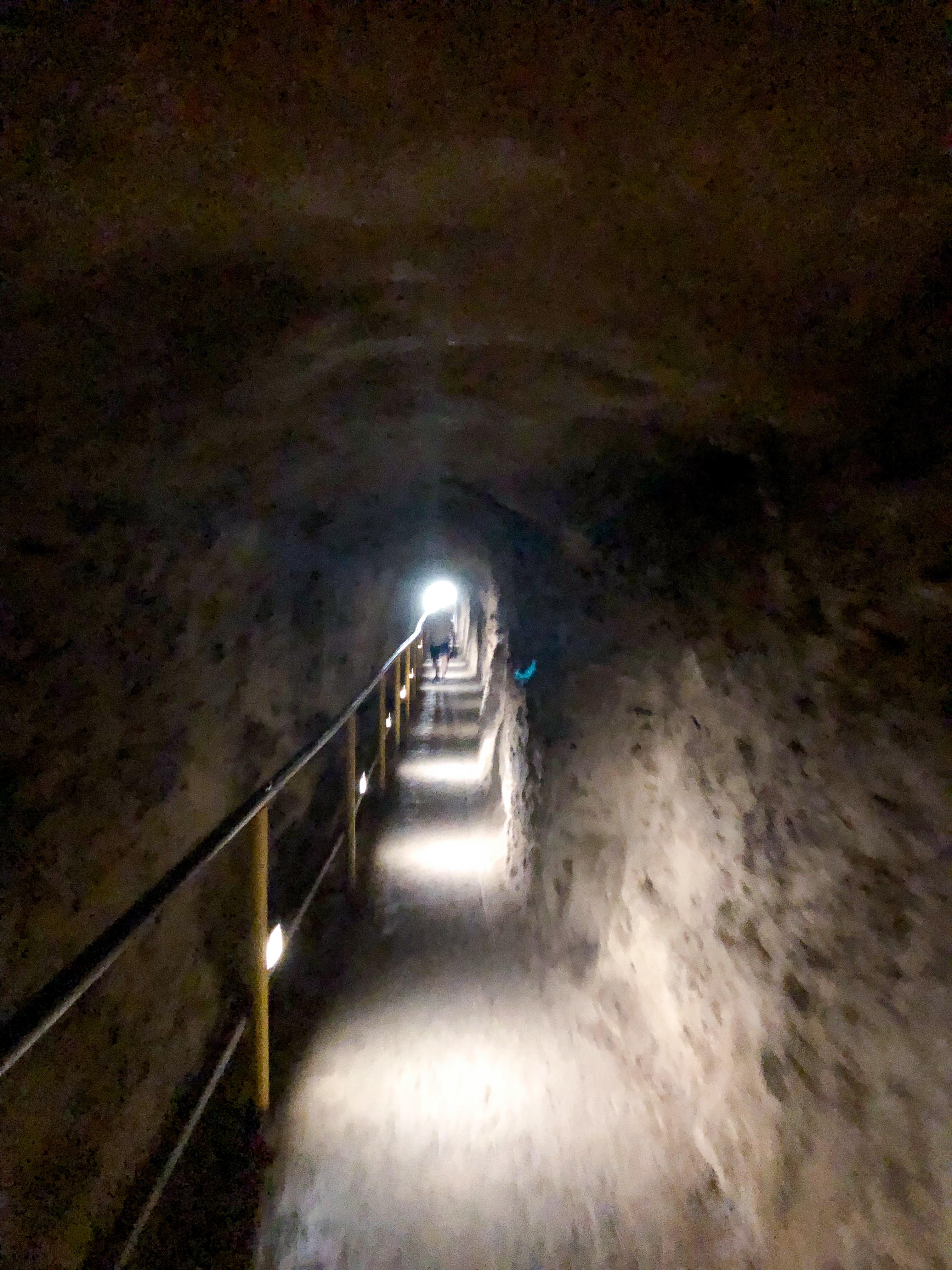 tunnel to the top of diamond head